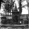 Fontaine de Saint-Cornély, Carnac (6279387399).jpg