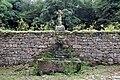 Fontaine du château de Coat-Couraval.JPG