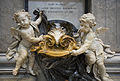 Fountain at St Peter's Basilica, Rome - 2733.jpg