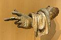 Fragment de statue en bronze doré - Musée romain d'Avenches.jpg