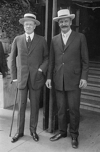 Frank Harris Hitchcock - Image: Frank H. Hitchcock and T. Coleman du Pont