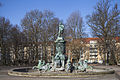 Fuente de Neptuno, Núremberg, Alemania, 2013-03-16, DD 02.JPG
