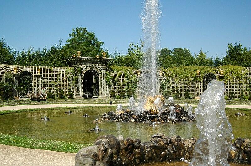 Ficheiro:Gaspard Marsy, Fontaine de l'Encelade, Musée national des châteaux de Versailles et de Trianon, Versailles, France (1675–1676) - 20060715.jpg