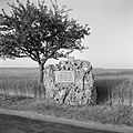 Gedenkteken aan de Kaiserstraße in Bad Mergentheim, hier trokken de Beierse troe, Bestanddeelnr 254-4509.jpg