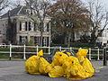 Gele zakken Leiden.jpg