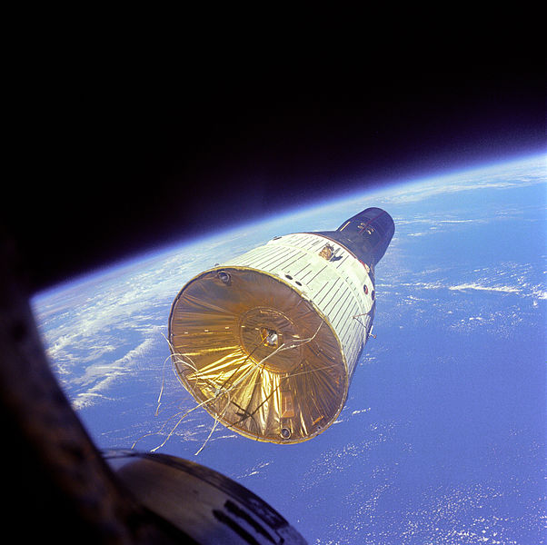 File:Gemini 6 Views Gemini 7.jpg