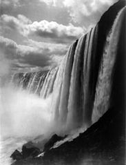 George Barker, Niagara Falls from below cph.3b43371.jpg