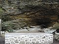 Giant rock-11-mennmudii-kerala-India.jpg