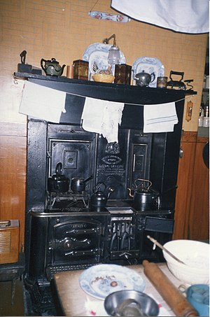 Tenement House (Glasgow) - Image: Glasgow Tenement House stove