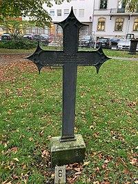 Grabmal von Georg Friedrich Grotefend auf dem Gartenfriedhof in Hannover.jpg