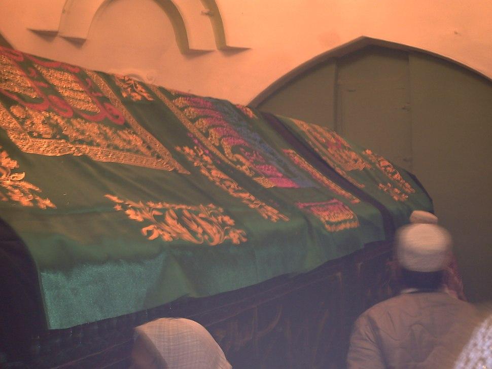 Grave Nabi Musa 045