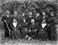 Group Picture of O'Hanlon family Ireland 1902 (6028115463).jpg