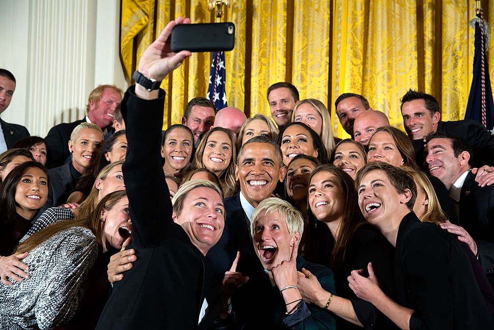 Group selfie of the United States Women's National Soccer Team with Barack Obama