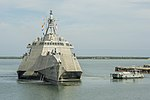 Guantanamo Bay Port prepares to assist the future USS Omaha (LCS 12). (27819337339).jpg