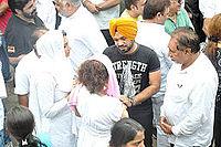 Gurpreet Guggi at Dara Singh's funeral 28.jpg