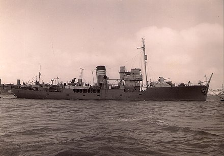 HMS Delphinium, one of hundreds of corvettes built as convoy escorts during the Second World War. HMS Delphinium (K77).jpg
