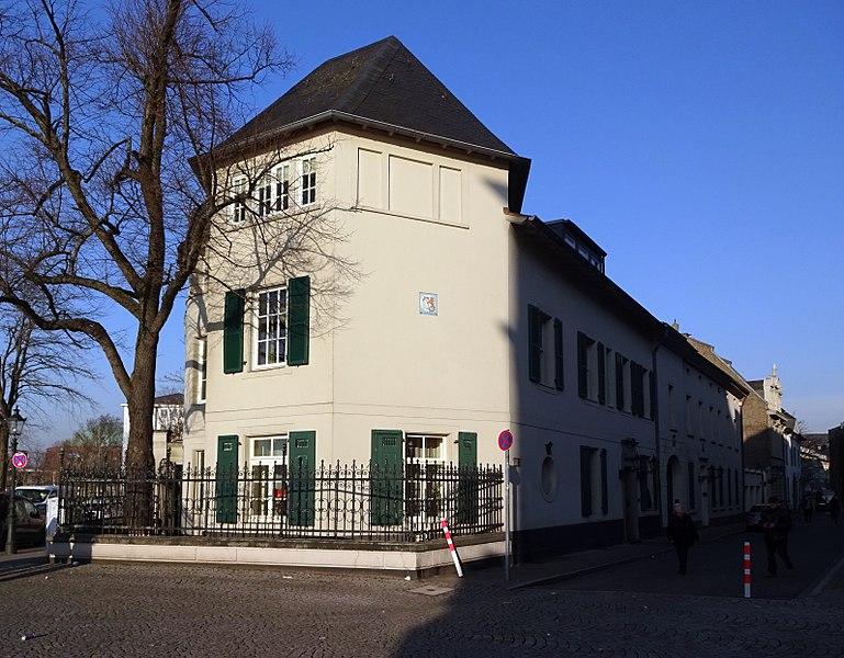 File:Haus Ritterstraße 2, Düsseldorf-Altstadt, Sicht in