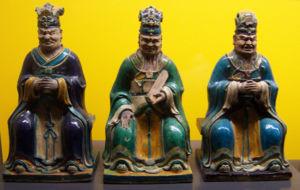 Diyu - Ming dynasty (16th century) glazed earthenware figurines representing three of the ten Yama Kings.