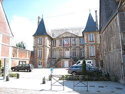Hotel-de-ville-pont-leveque-14.jpg