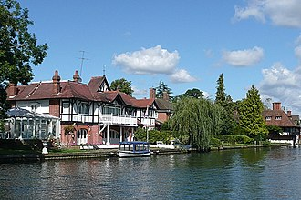 Shiplake - Houses by the Thames at Lower Shiplake