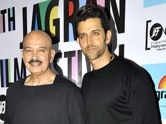 Hrithik Roshan - Hrithik Roshan pictured with father Rakesh at the Jagran Film Festival in 2014