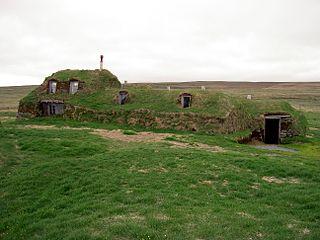 320px-Iceland_Saenautasel_Earth_covered_home_outside.JPG