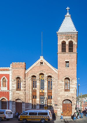 Britons in Mexico - The El Divino Salvador Methodist Church in Pachuca was founded by Cornish immigrants and Mexican converts. The current building was inaugurated in 1901.
