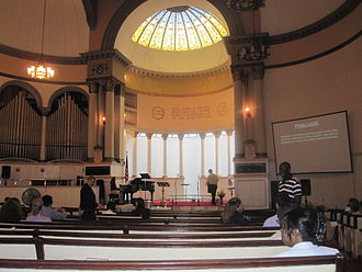 First Baptist Church in the City of New York - Inside the sanctuary of the First Baptist Church