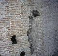 Interieur Statenzaal, detail van bouwsporen en gaten in de muur - Dordrecht - 20379228 - RCE.jpg