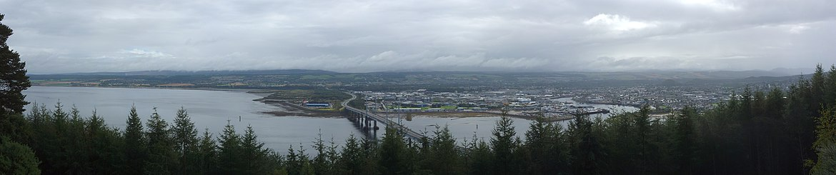 Panorama of Inverness from the Black Isle, with Moray Firth to the left and Kessock Bridge in the centre Inverness Moray Firth Panorama 01.jpg