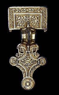 Anglo-Saxon brooches Anglo-Saxon decorative brooches
