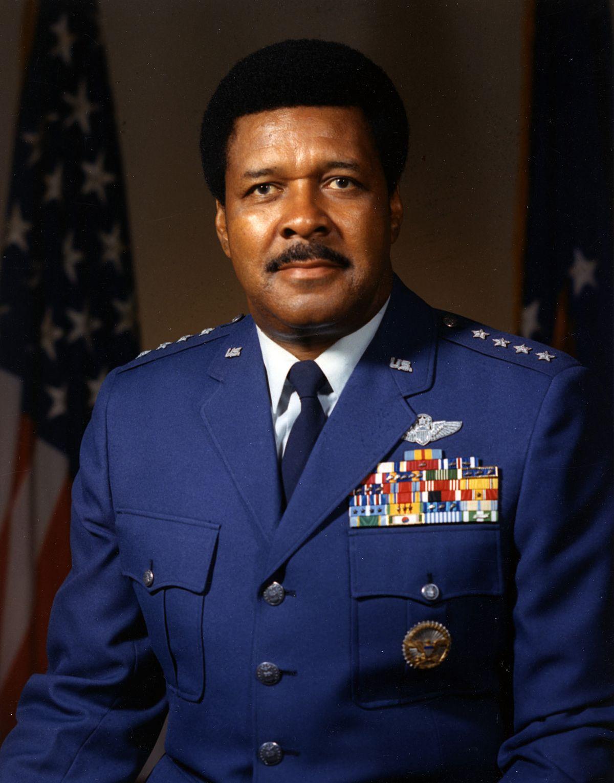 Daniel James Jr. - Wikipedia
