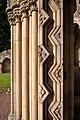 Jedburgh Abbey (9434520017).jpg