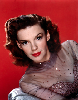 Judy Garland publicity photo.png
