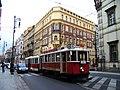 Křižovnická, historická tramvaj u Platnéřské.jpg