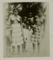 KITLV - 25906 - Maroon women with their children in Surinam - 1900.tif