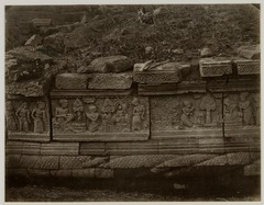 KITLV 28266 - Isidore van Kinsbergen - Relief on the south side of Panataran, Kediri - 1867-02-1867-06.tif