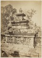 KITLV 40190 - Kassian Céphas - The balustrade on the first gallery of the Borobudur - Around 1890.tif