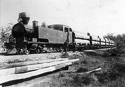 K class + pipe train, ca. 1902.jpg