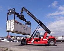 self loading truck camion autocaricanti /sidelifter 220px-Kalmar_Peinemann_reach_stacker