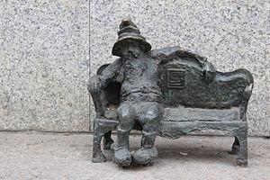 Kanapownik (Couch Potato) Wroclaw dwarf 02.JPG