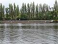 Karlín, Vltava u Metrostavu, loď (01).jpg