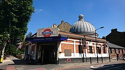 Kennington Underground Station.jpg