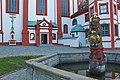Kloster St.Marienstern, Brunnen und Eingang Klosterkirche a.jpg
