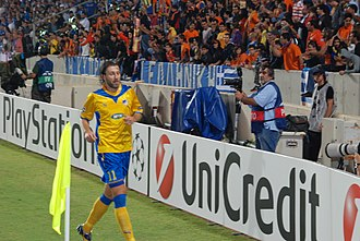 Kamil Kosowski - Kosowski playing for APOEL in a UEFA Champions League match against Chelsea