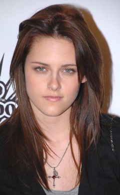 Kristen Stewart Evacuated: What About Rob Pattinson?