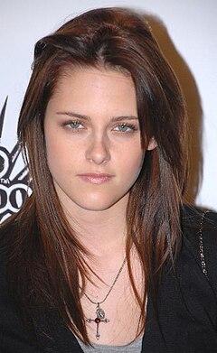 Kristen Stewart Evacuated: What About Rob Pattinson?