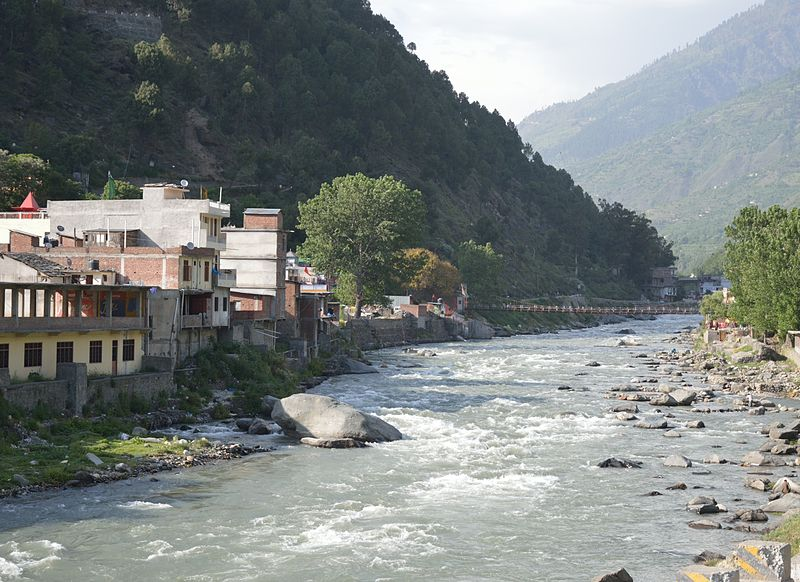 File:Kullu Townscape with River Beas - Kullu - Himachal Pradesh - 2014-05-09 2196.JPG
