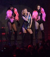 KylieMinogue 2009 Tour.jpg