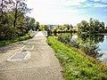 La grande passerelle de l'euro véloroute, franchit le Doubs.jpg